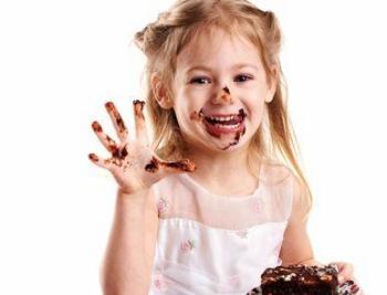 Для того чтобы ускорить процесс лечения, важно отказаться от сладостей, особенно шоколада