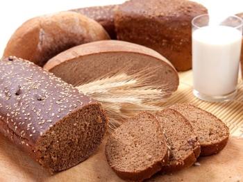 Молоко и черный хлеб