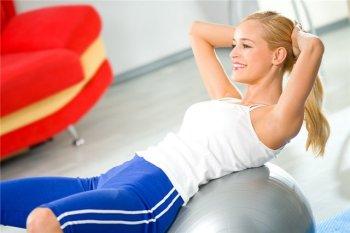Несмотря на то, что тяжелые физические нагрузки при псориатическом артрите не рекомендуются, совсем отказываться от спортивных упражнений не рекомендуется