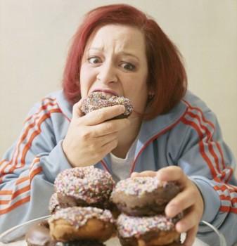 Обычно специалисты по питанию говорят своим пациентам, что лучшее лекарство от обжорства – это, как ни парадоксально, еда