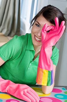 При дисгидрозе нужно свести к минимуму контакт с бытовой химией, всегда пользоваться резиновыми перчатками
