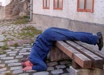 Сон в неудобной позе - причина невралгии