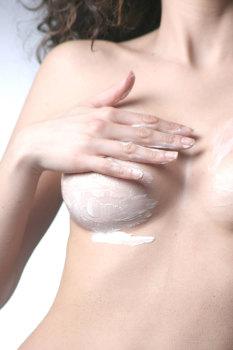 Специальные мази для лечения женского недуга