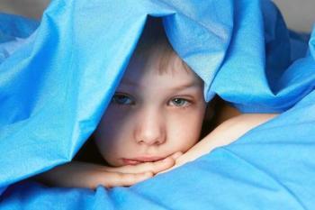 Своим недугом малыш привлекает к себе внимание для того, чтобы «восстановить» былую любовь и заботу