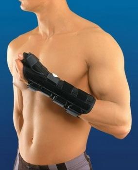 Также рекомендуется на лучезапястном суставе носить эластичный бандаж
