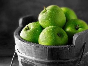 Вкусное лечение зелеными яблоками