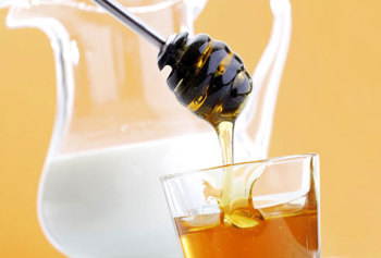 Мед и кефир