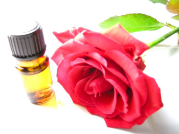 Розы и розовое масло