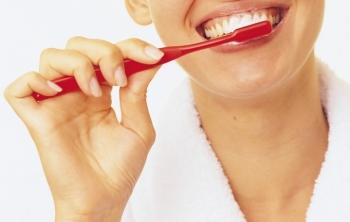 Чистка зубов хозяйственным мылом