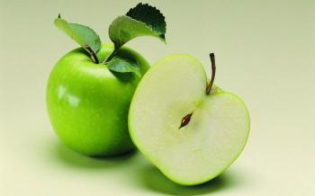 Яблоко разрежьте вдоль