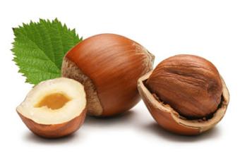 Маска с фундуком помогает при лечении жирной себореи