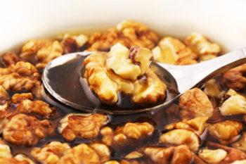 Мед с орехами - эффективное средство в лечении эректильной дисфункции