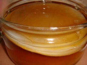 Чайный гриб считается одним из самых эффективных народных способов избавления от грибка