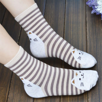 Для устранения насморка нужно брать исключительно хлопчатобумажные носки