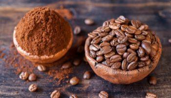 Отличным средством для избавления от грибковых инфекций на ногтях ног является натуральный кофе